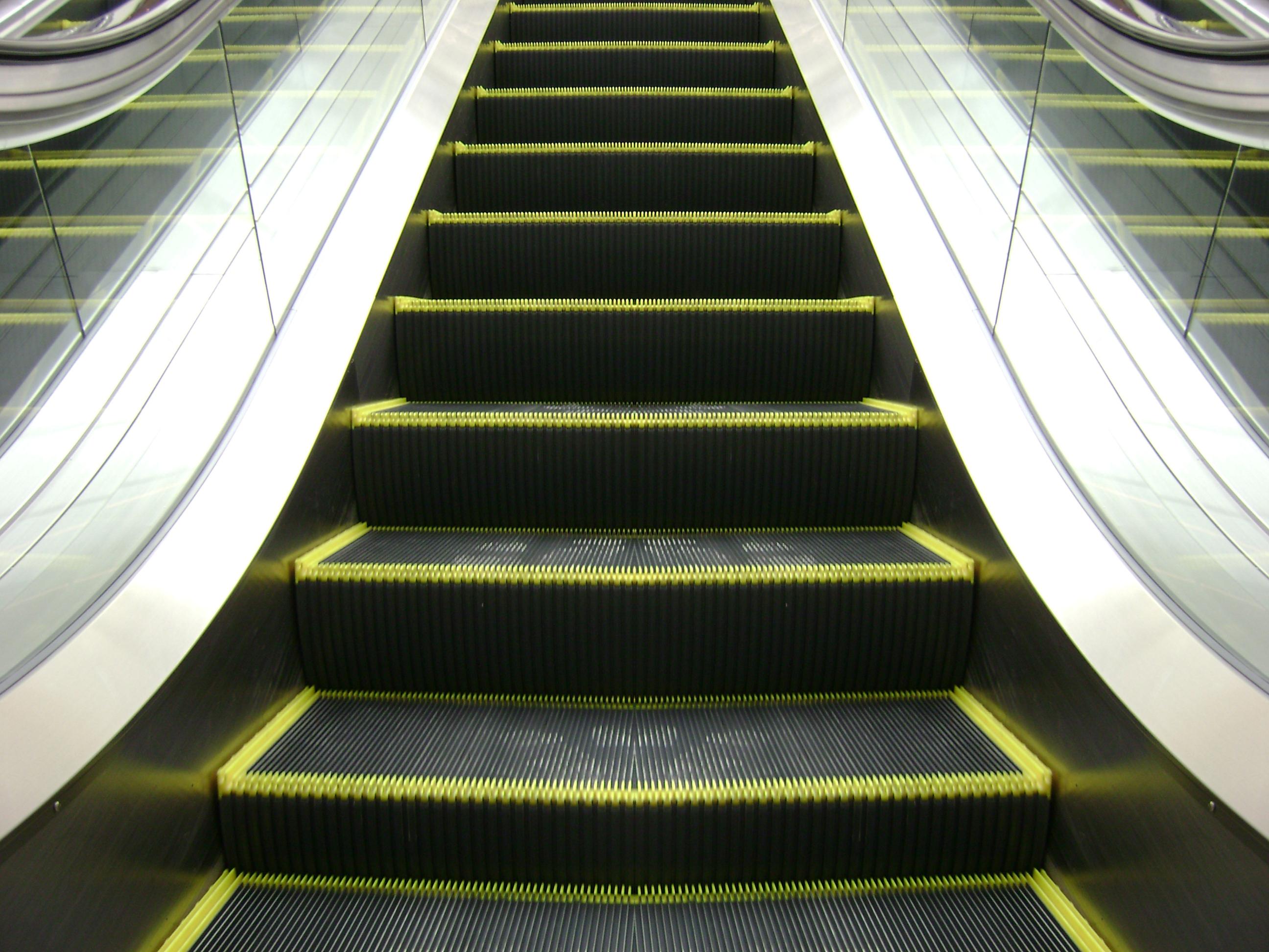 comment nettoyer un escalier m canique red finir l 39 hygi ne. Black Bedroom Furniture Sets. Home Design Ideas